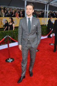 Justin-Timberlake-wearing-Tom-Ford-Spring-Summer-2013-Silk-Hopsack-Damier-Suit-at-SAG-Awards-3