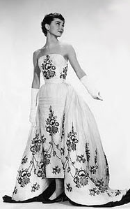 audrey-hepburn-givenchy-wedding-dress-11