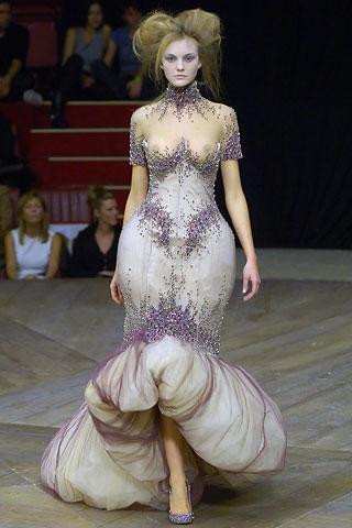 Alexander Mcqueen Biography Fashion Designer