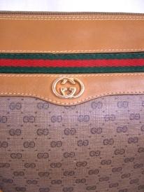 gucci-tan-logo-shoulder-bag-with-red-green-stripe-5