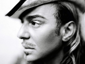 John-Galliano-Returns-to-Fashion-at-Oscar-de-la-Renta