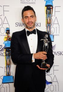 Marc+Jacobs+2011+CFDA+Fashion+Awards+Winner+ZEEJDqM9Nq3l