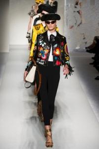 Colección Primavera-Verano 2012 que presentó Moschino en el Milan Fashion Week_ (Foto Vogue_es by GoRunway_com)_